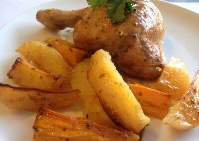 Pollo al horno con patatas y boniato