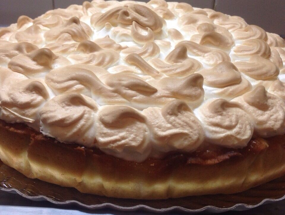 Lemon pie with italian meringue
